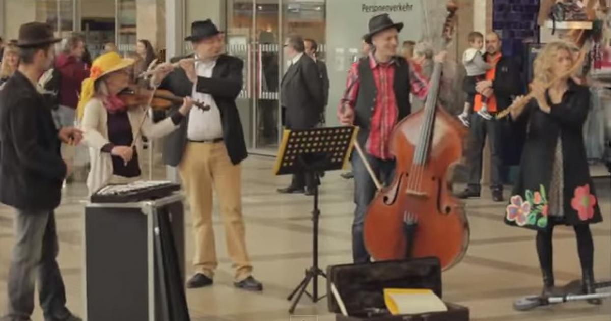 Il Flash Mob alla stazione di Vienna con i Carmina Burana
