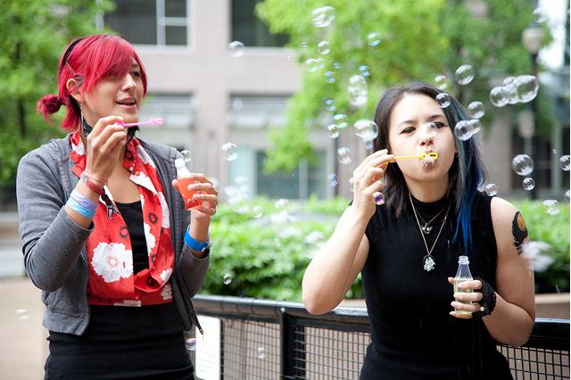 Bubble flash mob: azione non convenzionale per tornare un po' bambini