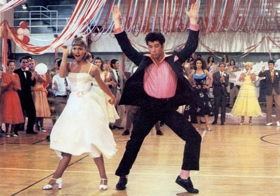 Grease at school: il mondo di Danny e Sandy torna al cinema e... per le strade di Milano