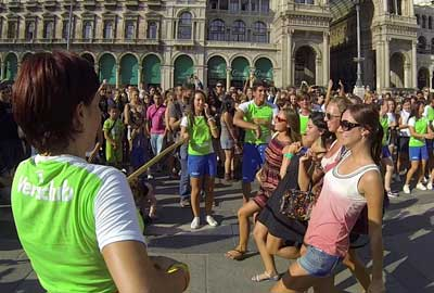Il Limbo Flash Mob Show invade Milano