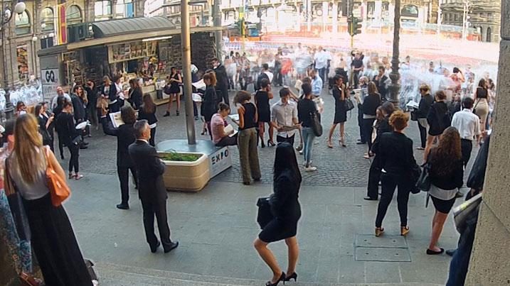 un frame dal punto di vista della gopro della piazza