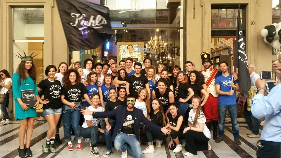 LA CREW DI FLASH MOB MILANO AL BIG OPENING PARTY KIEHL'S A TORINO!